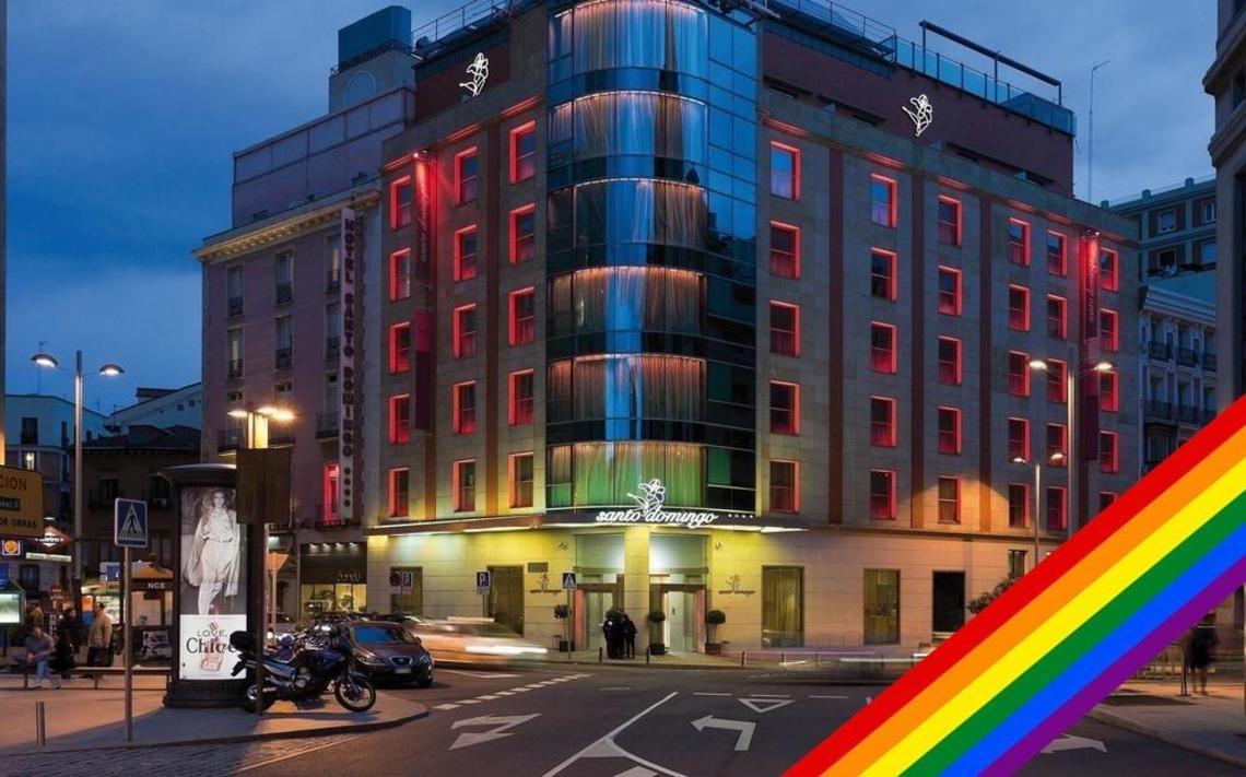 Fachada Hotel bandera Arcoiris