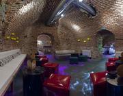 Salón Cuevas Eventos Sala Love Taburetes