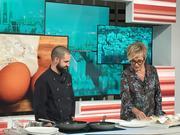 """Isaac Fernández con Inés Ballester en """"Esta Pasando"""" Telemadrid"""